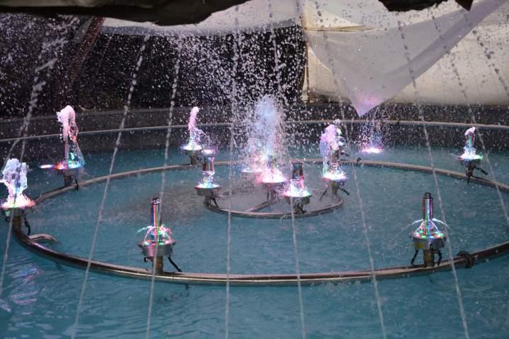 Пробный запуск фонтана в городе гусь хрустальный