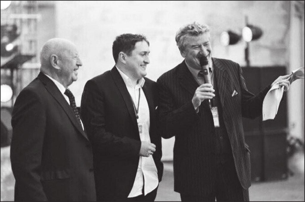 На фото 2017 года: Лев Иванович, Михаил Львович и Иван Михайлович Яхаевы